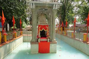 A view of Kheer Bhawani Temple.